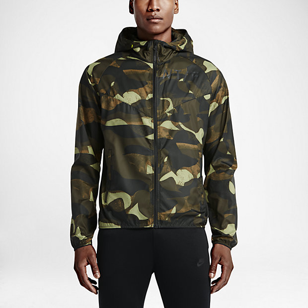 Low Resolution Nike Track and Field Packable Camo Windrunner 男子夹克