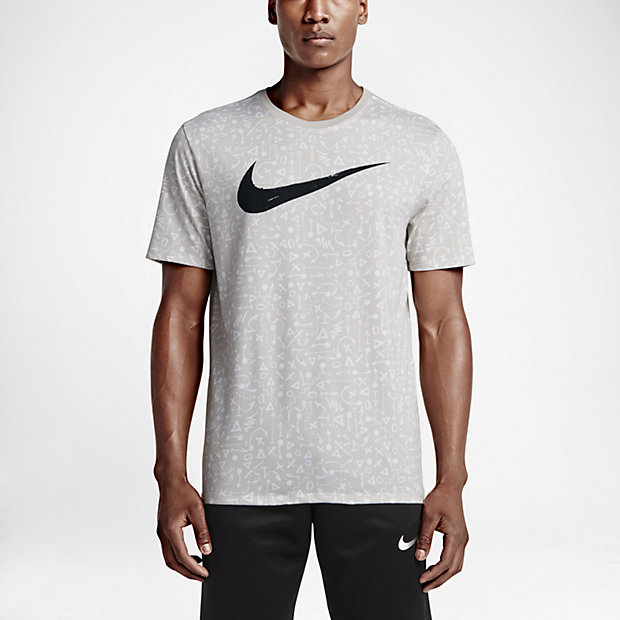 Low Resolution Nike Swoosh Graphic 男子T恤