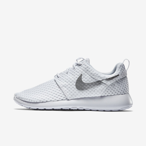 Low Resolution Nike Roshe One BR 女子运动鞋