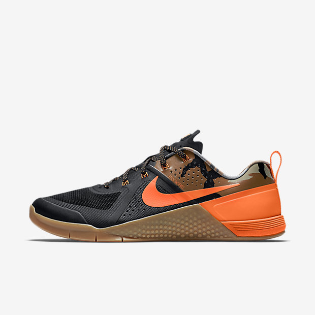 Low Resolution Nike Metcon 1 Amplify 男子训练鞋