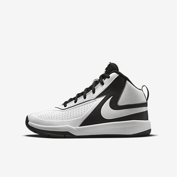 ... Chaussure de basketball Nike Team Hustle D 7 pour Enfant plus âgé (35,5
