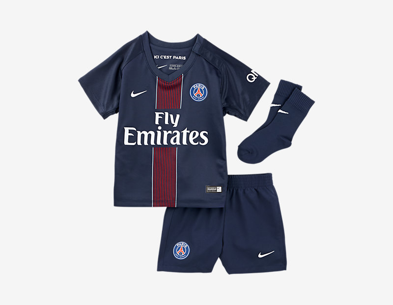 2016/17 Paris Saint-Germain Stadium Home
