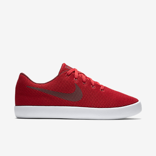 Low Resolution Nike Essentialist 男子运动鞋