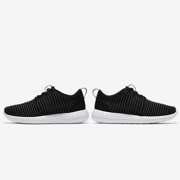 nike roshe men black and white