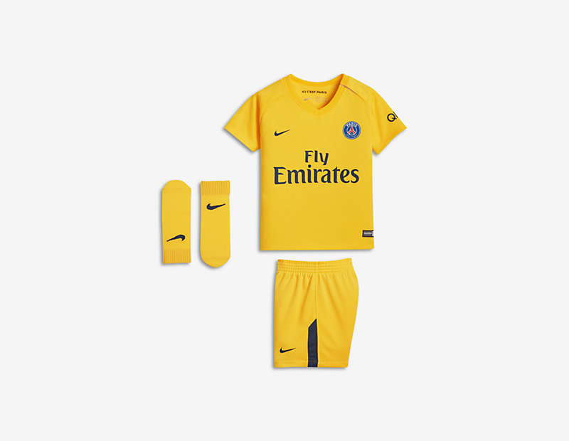 2017/18 Paris Saint-Germain Stadium Away
