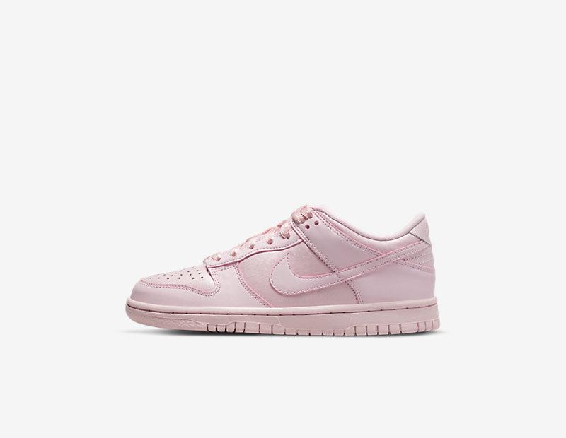 Image of Nike Dunk Low SE