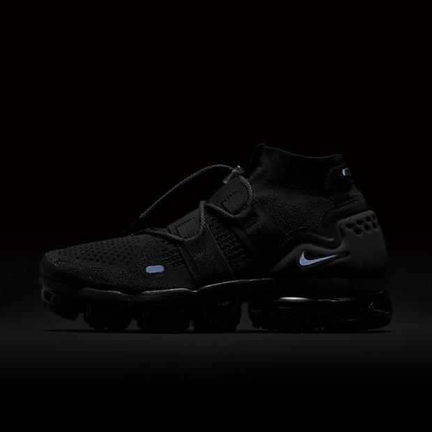 b410f24636e2 Nike Air Vapormax Flyknit Utility Triple Black biological-crop ...