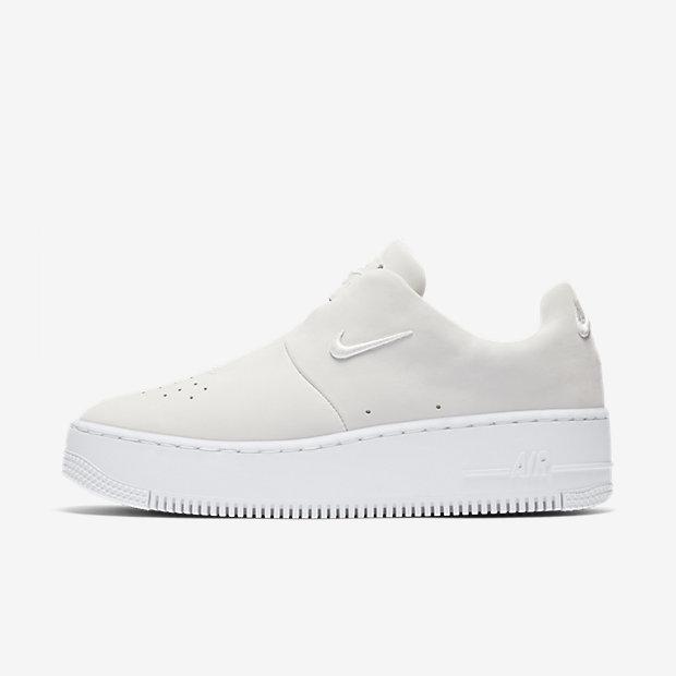 Женские кроссовки Nike AF1 Sage XX, Белый/Белый/Светло-серебристый, Артикул: AO1215-100  - купить со скидкой