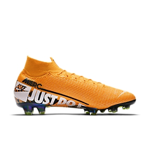 new style 39c8d ccf2e What Boots Does Kylian Mbappe Wear?