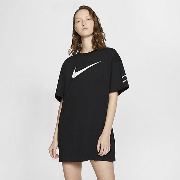 Low Resolution Klänning Nike Sportswear Swoosh för kvinnor