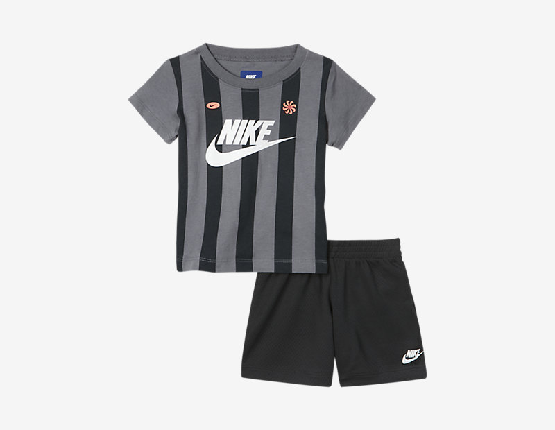 Nike Team Two-Piece