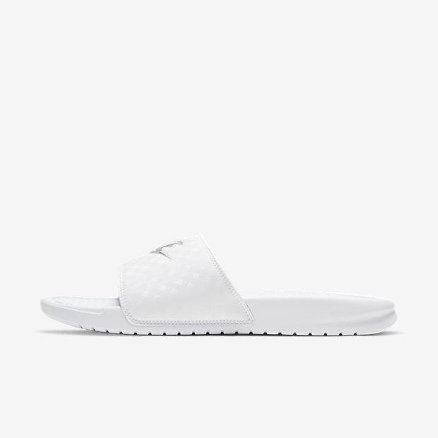 Женские сандалии Nike Benassi