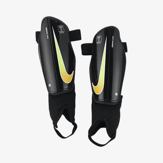 Детские футбольные щитки Nike Charge 2.0