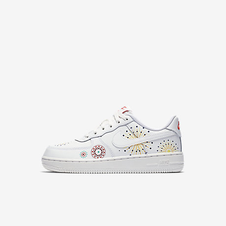 Nike Air Force 1 aceso