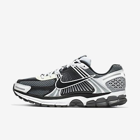 pretty nice 1dc56 73db1 Nike Zoom Vomero 5 SE SP Men s Shoe