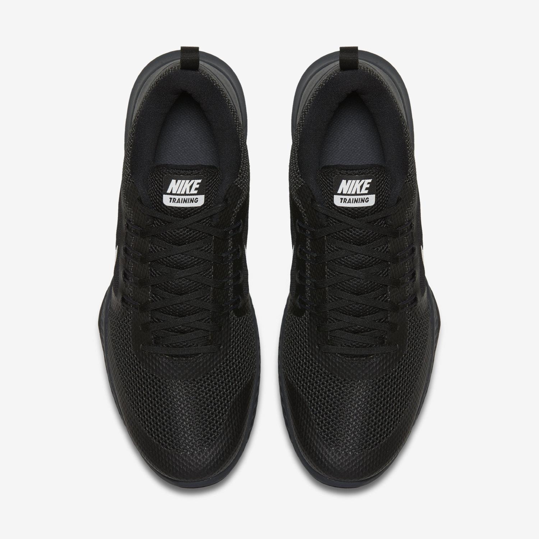 Chaussure de domination