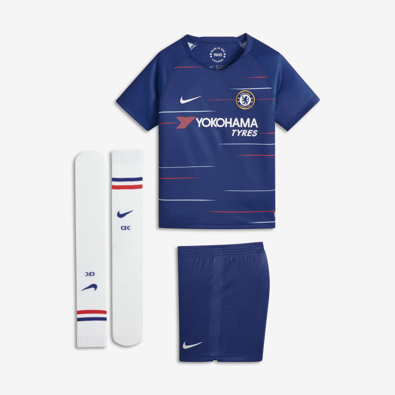 2018 19 Chelsea FC Stadium Home Younger Kids  Football Kit. Nike.com UK 3a1102b564b2d