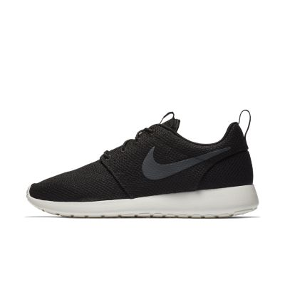 Roshe One Noir