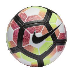 Футбольный мяч Nike Ordem 4Благодаря прочной конструкции из 12 панелей с желобками Nike Aerowtrac футбольный мяч Nike Ordem 4 имеет более точную траекторию полета во время игры.<br>