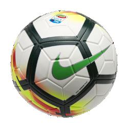 Футбольный мяч Serie A StrikeФутбольный мяч Serie A Strike с усиленной резиновой камерой и яркой контрастной графикой обеспечивает улучшенный контроль и хорошо заметен на поле.<br>