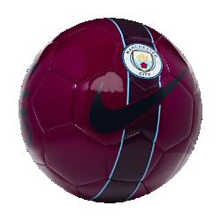 Футбольный мяч Manchester City SupportersФутбольный мяч Manchester City Supporters из прочных материалов отлично заметен на поле, что позволяет играть до позднего вечера.<br>