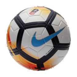 Футбольный мяч Nike Strike FA CupФутбольный мяч Nike Strike FA Cup с усиленной резиновой камерой и яркой контрастной графикой обеспечивает улучшенный контроль и хорошо заметен на поле.<br>