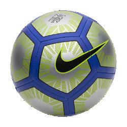 Футбольный мяч Nike Neymar SkillsФутбольный мяч Nike Neymar Skills с прочной износостойкой конструкцией и контрастной графикой хорошо заметен на поле.<br>