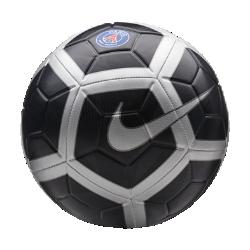 Футбольный мяч Paris Saint-Germain StrikeФутбольный мяч Paris Saint-Germain с усиленной резиновой камерой и контрастной графикой обеспечивает улучшенный контроль и хорошо заметен на поле.<br>