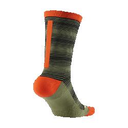 Носки для гольфа Nike Elite Graphic CrewНоски для гольфа Nike Elite Graphic Crew с компрессией в области свода стопы и превосходной амортизацией обеспечивают поддержку, комфорт и защиту от ударных нагрузок.<br>