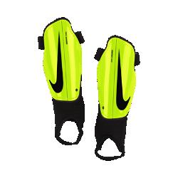 Детские футбольные щитки Nike Charge 2.0Детские футбольные щитки Nike Charge 2.0 защищают голени от ударных нагрузок во время игры, обеспечивая абсолютный комфорт благодаря анатомической посадке.<br>