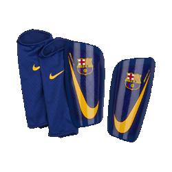 Футбольные щитки FC Barcelona Mercurial LiteФутбольные щитки FC Barcelona Mercurial Lite с воздухопроницаемой вставкой и прочным, но легким каркасом надежно защищают от ударных нагрузок.<br>