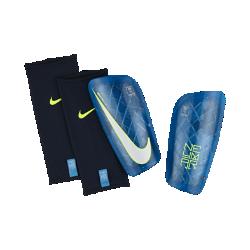 Футбольные щитки Nike Neymar Mercurial LiteФутбольные щитки Nike Neymar Mercurial Lite с воздухопроницаемой вставкой и прочным, но легким каркасом надежно защищают от ударных нагрузок.<br>