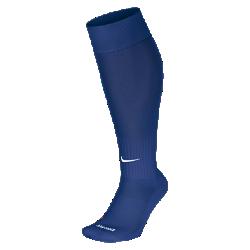 Футбольные носки Nike ClassicФутбольные носки Nike Classic из легкой ткани Dri-FIT с поддержкой свода стопы обеспечивают комфорт во время игры.  Преимущества  Ткань Dri-FIT отводит влагу, обеспечивая комфорт Усиленные пятка и носок для большей прочности в зонах максимального износа Анатомический крой левого и правого носка для более удобной посадки Поддержка свода стопы для плотной и надежной посадки  Информация о товаре  Состав: Dri-FIT 97% нейлон/3% спандекс Машинная стирка Импорт<br>