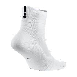 Баскетбольные носки Nike Elite Versatility MidБлагодаря системе поддержки голеностопа 360° и максимальной амортизации в ключевых зонах баскетбольные носки Nike Elite Versatility Mid обеспечивают комфорт в самые интенсивные моменты игры.  Невероятный комфорт  Мягкая амортизация в передней части стопы и области пятки равномерно распределяет давление для невероятного комфорта во время игры.  Отведение влаги и охлаждение  Зоны вентиляции обеспечивают циркуляцию воздуха, а легкая ткань Dri-FIT сохраняет стопы сухими, отводя влагу от кожи.  Надежная посадка  Компрессионная система защиты голеностопа и ребристая поверхность в передней части обеспечивают дополнительную стабилизацию и фиксацию. Y-образная строчка в области пятки обеспечивает плотную и надежную посадку.<br>